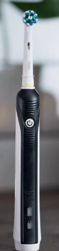 Oral-B PRO 760 Elektrische Akku-Zahnbürste von Braun