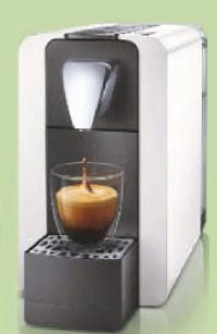 Compact One II Kaffee- und Teekapselmaschine von Cremesso