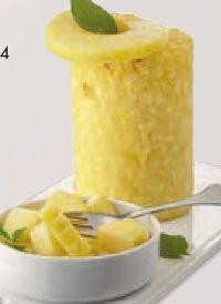 Ananas geschält