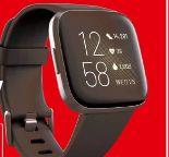 Gesundheits- & Fitness-Smartwatch Versa 2 von Fitbit