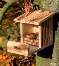 Eichhörnchen-Futterstation von Dobar